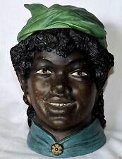 POT A TABAC EN TERRE CUITE BERNARD BLOCH FEMME NOIRE AVEC FICHU N°339