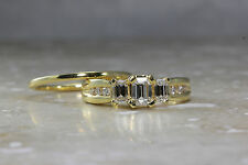18K Y GOLD MODERN DIAMOND ENGAGEMENT AND WEDDING BAND RING EMERALD AND ROUND CUT