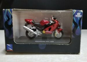 New Ray Die Cast 1:32 Scale Kawasaki ZX-12R Mini Motorcycle with Hard Case