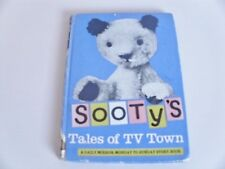 SOOTY'S TALES OF TV TOWN A Daily Mirror Monday to Sunday Story Book Illustrated