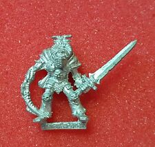 Warhammer Age of Sigmar Slaves to Darkness Chaos familiar mannequin with club