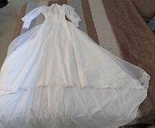 Beautiful Wedding Gown Bride  Vintage ILGWU Beads Flower Big Sleeves Dress & Hat