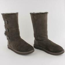 UGG 1962Y BAILEY BUTTON Triplet Women Sheepskin Suede Winter Boot Size 6
