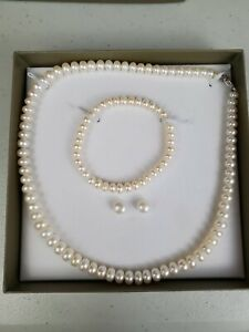 Honora WHITE Color Pearl  Necklace Bracelet Earring Set Sterling Silver closure