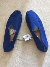 Blue canvas shoes size 8