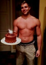 Shirtless Male Beefcake Ripped Muscle Stud Happy Birthday Smiling PHOTO 4X6 D305