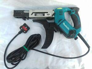 MAKITA Auto- feed Collated Screw Gun 6843 240 V.