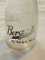 VINTAGE 1940-50S BERGMAN BERGMANN'S DAIRY ALBANY NY   1/2 PINT MILK BOTTLE