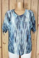 BON WORTH Womens Size Medium Petite Short Sleeve Shirt Textured Polyester Top