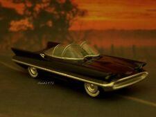 BATMOBILE 1955 55 LINCOLN FUTURA 1/64 SCALE COLLECTIBLE MODEL DIORAMA - DISPLAY