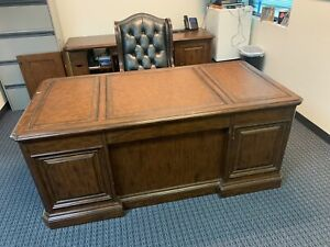 Vintage Sligh Leather Top Executive Writing Desk ,Credenza , And Chair