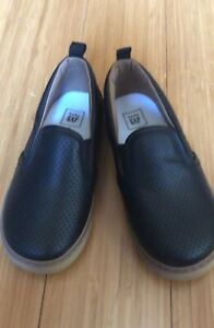 GAP Baby Boy Shoes, size 9 (toddler), New