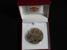MANCHESTER UNITED 2001 PREMIER LEAGUE CHAMPIONS MEDAL WITH RED BOX AND CREST