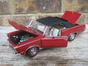 THE DANBURY MINT 1:24 1965 PONTIAC GTO CONVERTIBLE DIECAST CAR