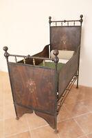 antico letto bambino lettino liberty ferro battuto decorato legno XIX secolo