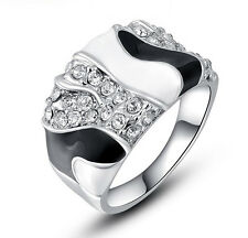 18k White Gold Plate Made with Swarovski Crystal Women's Fashion B&W Ring R139