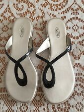 "Women's Talbots Black Glossy Thong Sandals ""Bettina4"" Size 6.5 EUC #30049159"