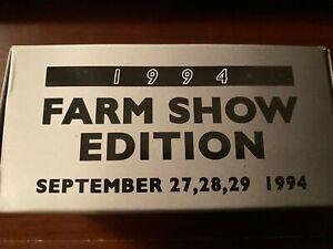 Ertl 1:64 Case International 7250 Tractor with MFD 1994 Farm Show #4757MA