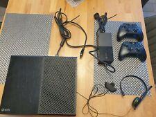 Microsoft Xbox One 500GB Konsole - Schwarz   Modell 1540 mit zwei Controllern