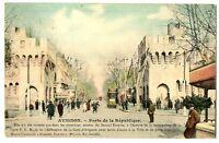 CPA 84 Vaucluse Avignon Porte de la République animé