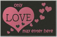Heart Source – Love Print Indoor/Outdoor Welcome Mat (27.5″ x 18″)