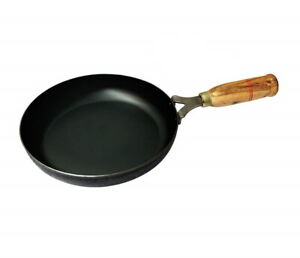 Iron Curry Pan Frying Pan Wooden Handle Skillet Fry Pan Flat Heavy Duty Catering