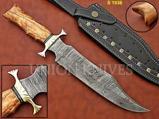 CUSTOME HAND MADE DAMASCUS STEEL HUNTING KNIFE WITH OLIVE WOOD HANDLE.