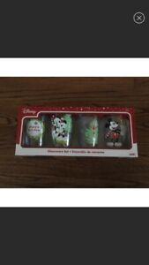 BRAND NEW DISNEY CHRISTMAS MICKEY & MINNIE TALL GLASSES SET OF 4