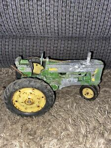 John Deere Tractor with 3-Point Hitch Farm Toy Tractor 60's Parts / Restoration