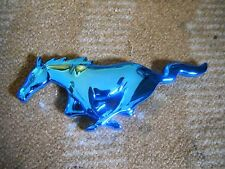 1999 2000 2001 2002 2003 2004 FORD MUSTANG HORSE GRILL GRILLE EMBLEM BLUE CHROME