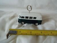 Welly No 8166 1962 Volkswagen Microbus Green/White. (keyring/hanging ring???)