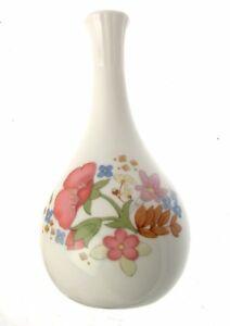 Wedgwood Meadow Sweet Vase Flower Vases Floral Vases Wedgwood Vases
