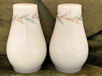 VTG SYRACUSE Carefree LYNNFIELD Mid Century Wheat Pattern Salt & Pepper Shakers