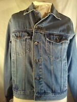 VINTAGE Wrangler Men's Denim  Blue Jean  Jacket Size Medium Trucker