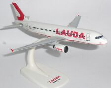 Airbus A320 Lauda Air Austria Snap Fit Collectors Model Scale 1:200 G