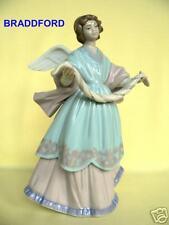 Lladro 6125 Angel /Tree Topper * Joyful Offering *
