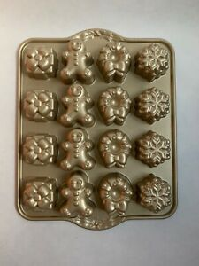 Nordic Ware Heavy Weight Cast Aluminum Bake Pan Holiday Teacakes Gold New