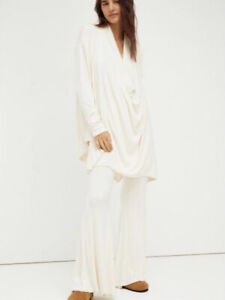 NEW FREE PEOPLE Romy 2-piece Oversized Set Size Small Pants & Top Ivory