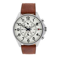 Tommy Hilfiger stylische Armbanduhr Herren Uhr mit Datumsanzeige analog Silber