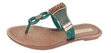 Flat (less than 0.5') Standard Width (D) Shoes for Women