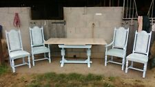 Old Charm/Jaycee Bulbous Drawleaf Table and 4 Chairs 2 Are Carvers