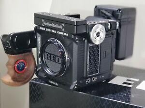 RED Komodo 6K RAW Digital Cinema Camera Kit, GDU handle, 512gb, V mount & more!