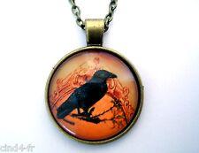 Médaillon vintage +Chaine collier bronze /Medallion +Chain necklace-Crow/Corbeau