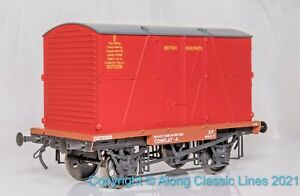Dapol 7F-037-006, Gauge O, British Railways Conflat A wagon with BD container