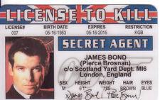 Pierce Brosnan Agent 007 James Bond fun collectors card Drivers License to Kill