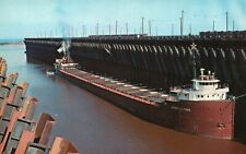Superior, Wisconsin, WI, Great Northern Ore Docks, Chrome Vintage Postcard a2252
