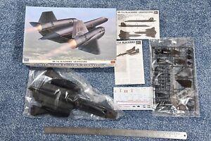 Hasegawa 1:72 SR-71A Blackbird 'Gravestone' kit #02001