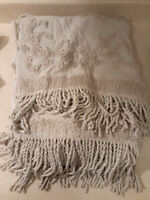 "Madison Park Chloe 100% Cotton Tufted Chenille Design With Fringe Tassel 50""x60"""