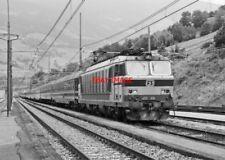 PHOTO  ITALY - FS LOCO NO E633 026  VIPITINO STATION ITALY AUG 1987