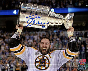 Zdeno Chara Boston Bruins Signed Autographed Screaming Raising Stanley Cup 16x20